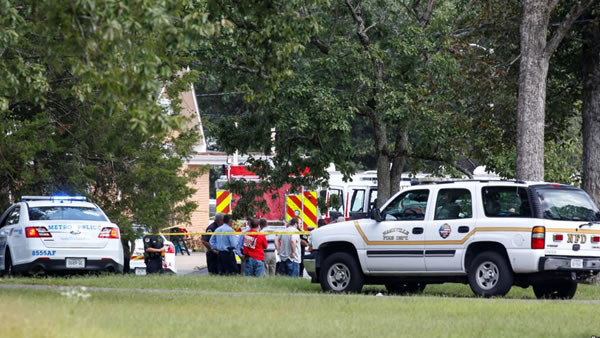 Un muerto y siete heridos tras tiroteo en iglesia en Tennessee