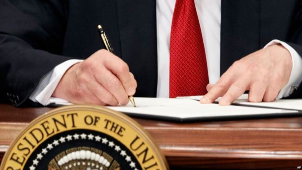 Trump firma la imposición de aranceles al acero y el aluminio