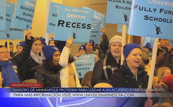 Maestros de Minneapolis protestan para llegar a un acuerdo sobre su contrato