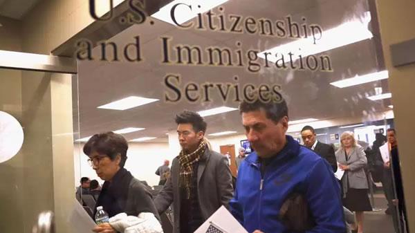 """Alertan de importante movimiento de Trump en Inmigración que """"ataca al sistema de asilo"""""""