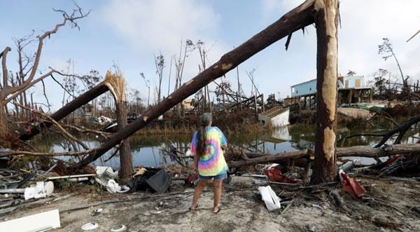 Falta de servicios obstaculiza esfuerzos en área afectada por huracán Michael