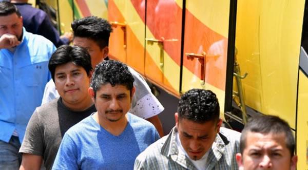 El Salvador niega bloquear caravana de migrantes