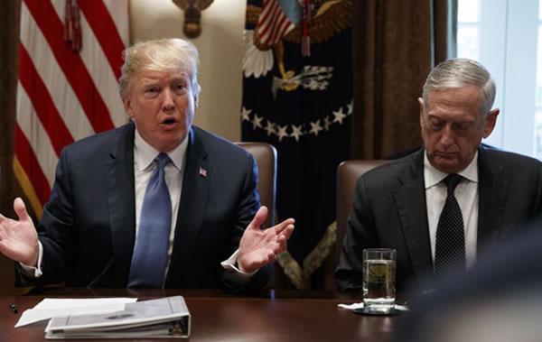 Trump sugiere que Secretario de Defensa podría dejar el cargo
