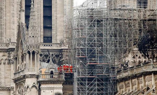 Tras el fuego, la atención se dirige al futuro de Notre Dame