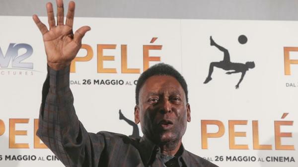 Pelé es internado en Brasil por infección urinaria