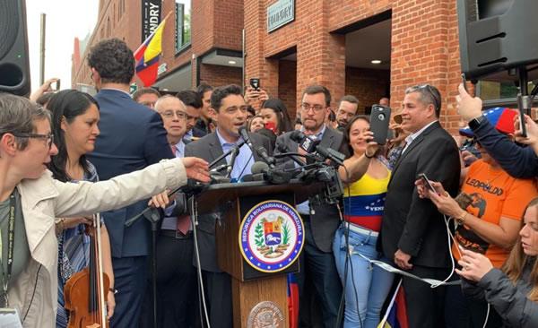 Gobierno encargado de Venezuela toma control de todas las sedes diplomáticas en EE.UU.