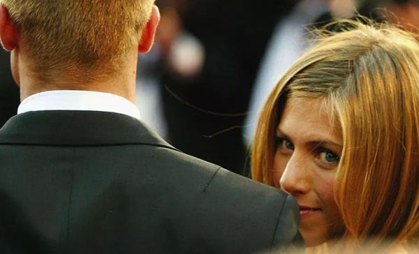 Fuente afirma que Brad Pitt fue más feliz junto a Jennifer Aniston