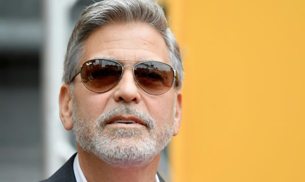 Clooney pide actuar contra los activos de generales sudaneses en el mundo