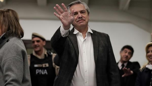Expectativa por reacción del mercado a Fernández como favorito a la presidencia argentina