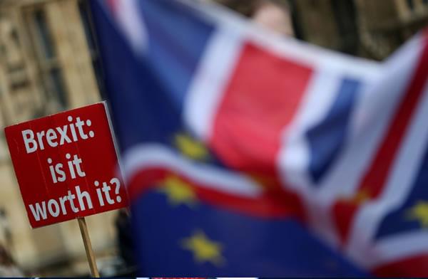 La economía británica se contrae un 0,2% antes del Brexit