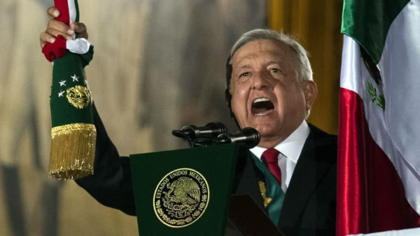 Ciudadanos mexicanos protestan y piden renuncia del presidente López Obrador