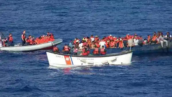 35 inmigrantes iban a Puerto Rico pero su barca se volcó. 3 murieron y 9 están detenidos