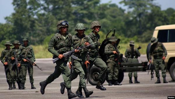Militares de Colombia en alerta por ejercicios de Venezuela en la frontera