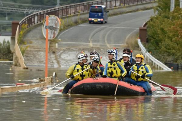 Al menos 56 muertos en Japón por el tifón