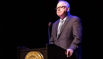 Gobernador Tim Walz