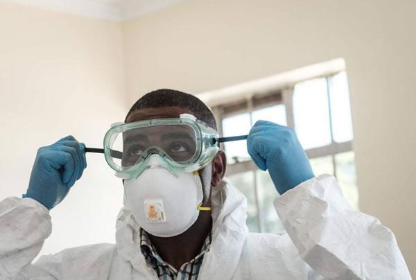 EEUU ofrece visas de trabajo a profesionales de la salud para combatir el coronavirus
