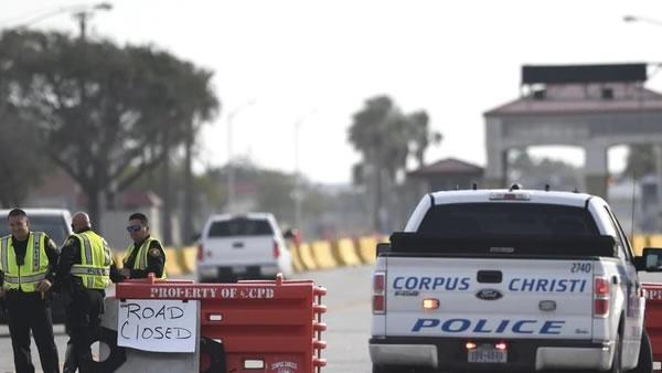 """FBI: tiroteo en base naval de Texas está """"relacionado con el terrorismo"""""""