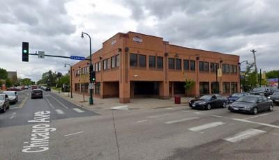 un muerto en el área de Lake Street y Chicago Avenue