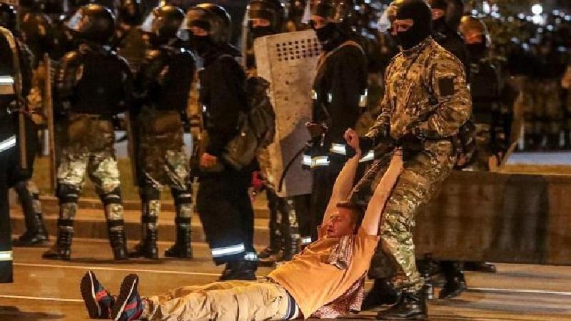 Más de 1.000 arrestados en protestas en Bielorrusia