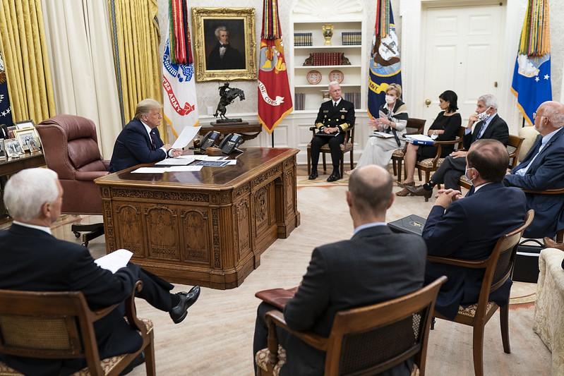 La Casa Blanca presionó a CDC para que minimizara riesgos de reapertura de escuelas