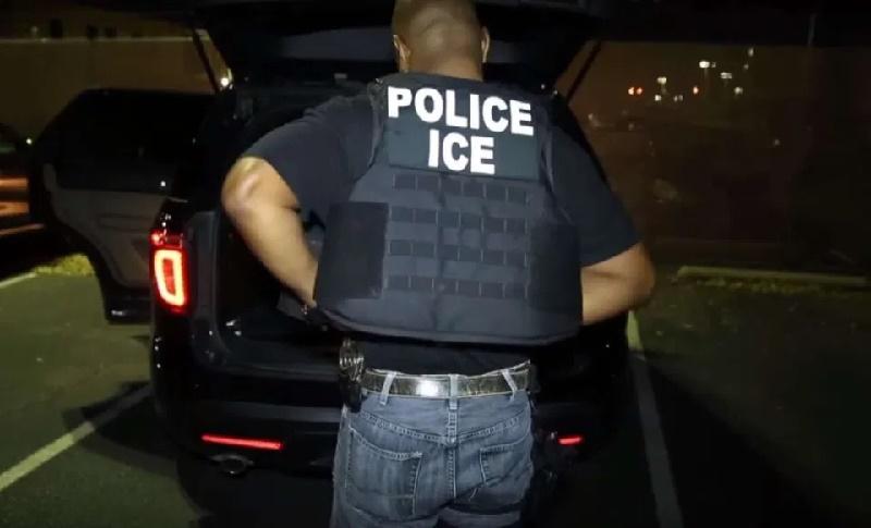 Alcalde de Nueva York pide a ICE que sus agentes no se hagan pasar por policías de la ciudad