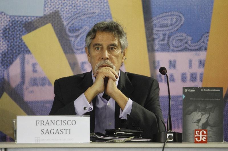 Francisco Sagasti ya es el nuevo presidente de Perú, el tercero en una semana