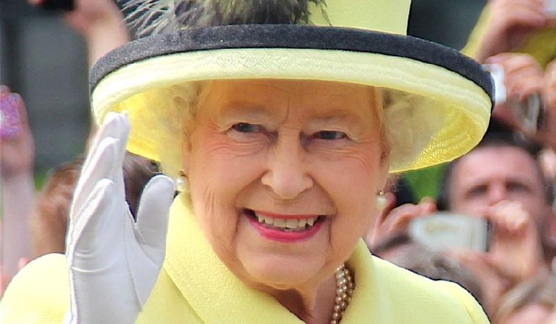 Después de 70 años en el trono… ¿Abdicará la Reina Isabel II?… ¿Carlos o William?