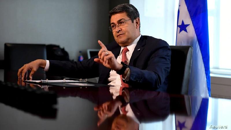 El presidente de Honduras niega vínculos con el narcotráfico
