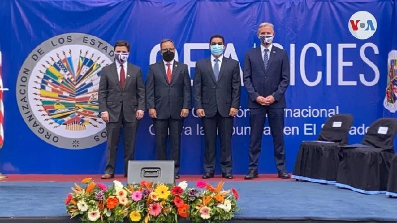 Enviado especial de EE. UU. anuncia fondos para la CICIES a su llegada a El Salvador