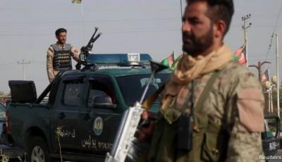 Talibanes avanzan en sur de Afganistán